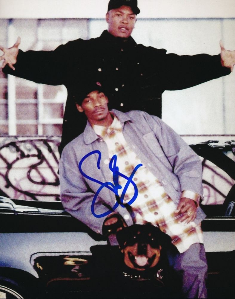 how to get snoop dogg autograph