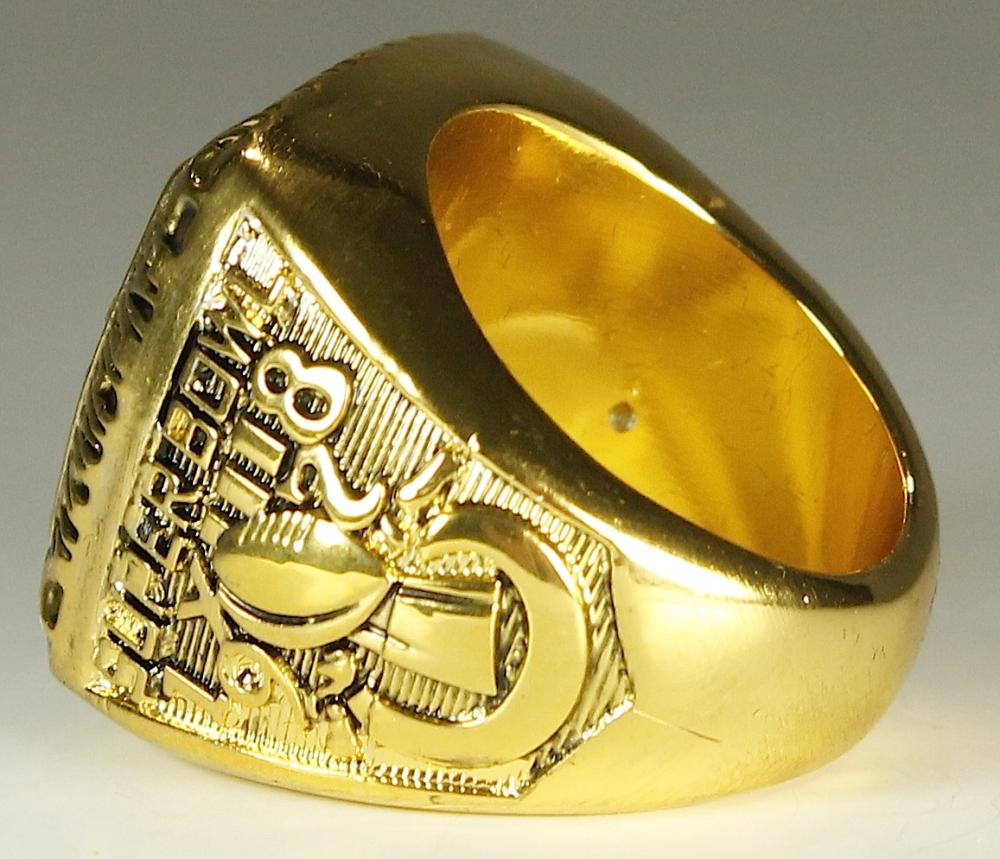Online Sports Memorabilia Auction - 623.0KB