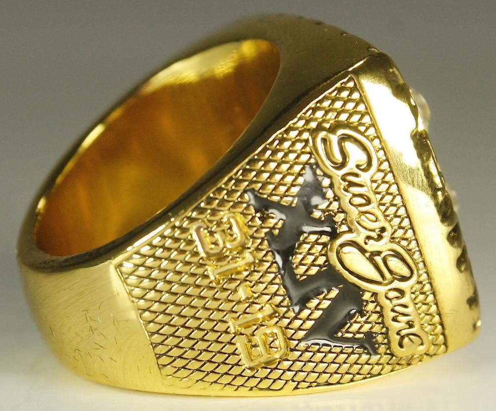 Online Sports Memorabilia Auction - 662.9KB