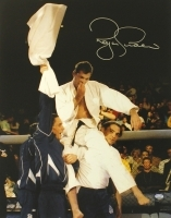 Royce Gracie signed UFC 16x20 Photo (SI COA) at PristineAuction.com